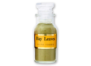 ローリエ粉末 別名:月桂樹です。肉、魚の臭みを隠す効果があります。スペアリブ、ポテト... ロー
